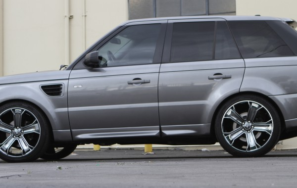 Range Rover in Black Chrome